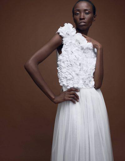 Designer Couture Brautkleid aus Tüll mit handgesticktem Oberteil von Magdalena Mayrock Berlin