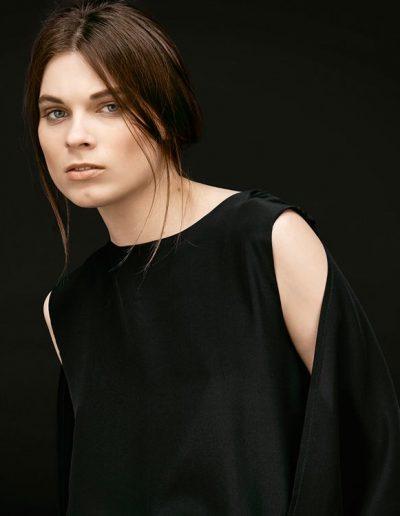 Detailansicht schwarzer Designer Jumpsuit Lou Magdalena Mayrock Berlin