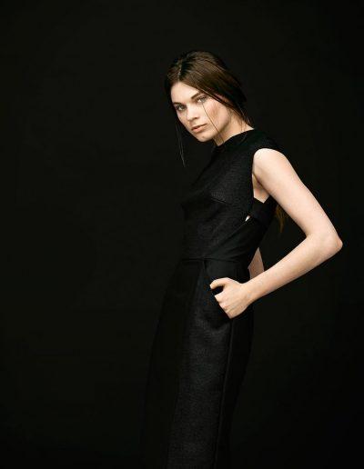 Elegantes schwarzes Designer Etuikleid aus Seide von Magdalena Mayrock Berlin