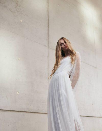Gepunktetes Tüll Designer Brautkleid von Magdalena Mayrock Berlin