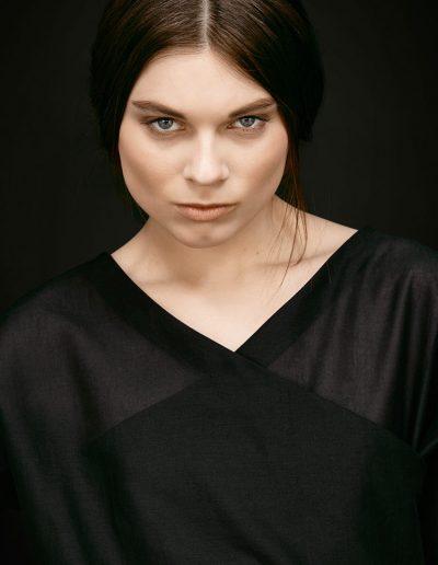 Schwarzes Designer Baumwollshirt von Magdalena Mayrock Berlin
